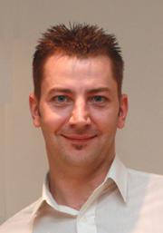ケンブリッジオーディオCambridgeAudio モダンショートMordauntShort イギリス訪問記 Dominic Backer ドミニク ベイカー
