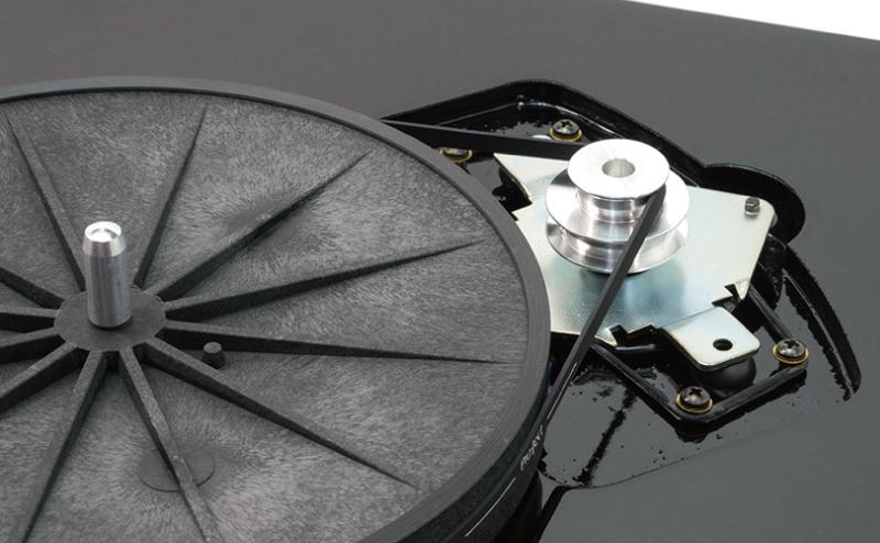 Debut_Carbon_motor
